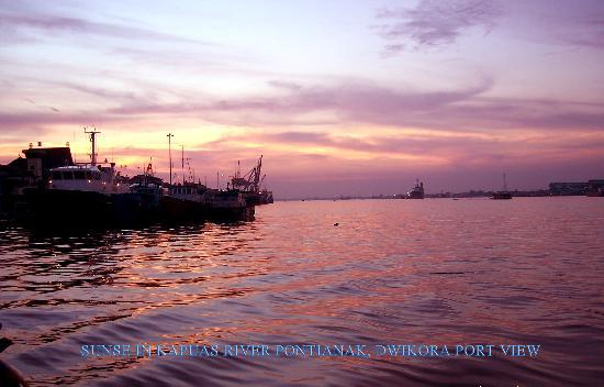 Pontianak, Indonesia: dwikora port view