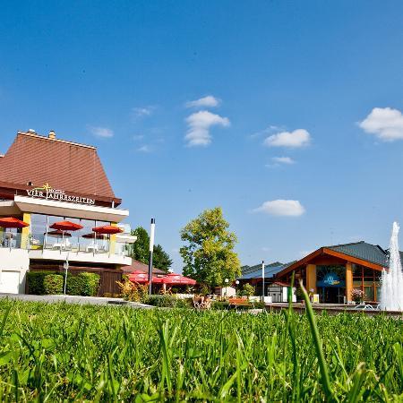 Thermenhotel Vier Jahreszeiten: Hotel direkt an der Therme Loipersdorf