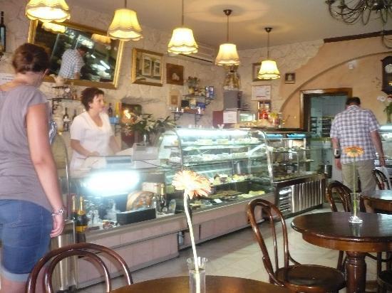 Brasov, Romania: Patisserie  LA VATRA ARDEALULUI