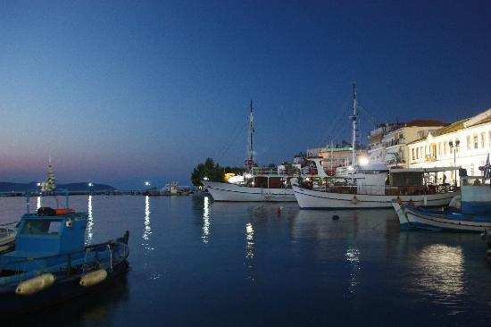 Four Seasons Hotel: Thassos Old Town by night