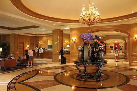 Four Seasons Hotel Las Vegas: The Lobby of the Four Seasons