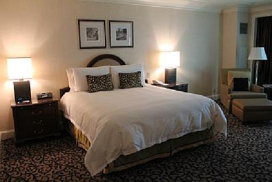 Four Seasons Hotel Las Vegas: The Cozy Bed