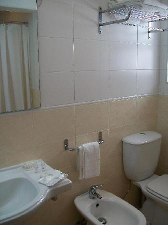 Hotel Santiago: El baño reformado