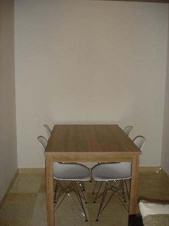 L'Escala Resort: Mesa comedor