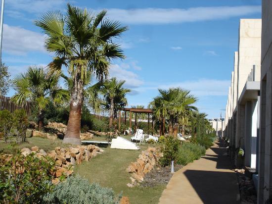 L'Escala Resort: Jardín1