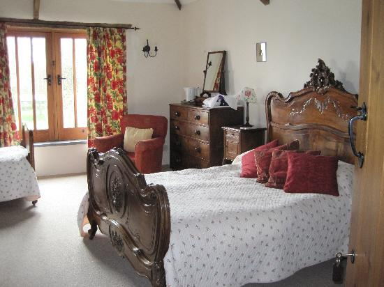"Lower Tresmorn Farm: triple room ""Minherrins"""