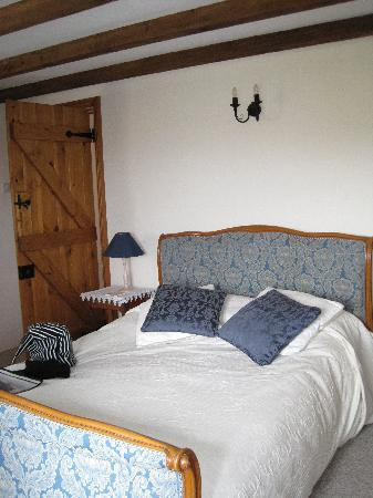 "Lower Tresmorn Farm: double room ""Homeward Down"""