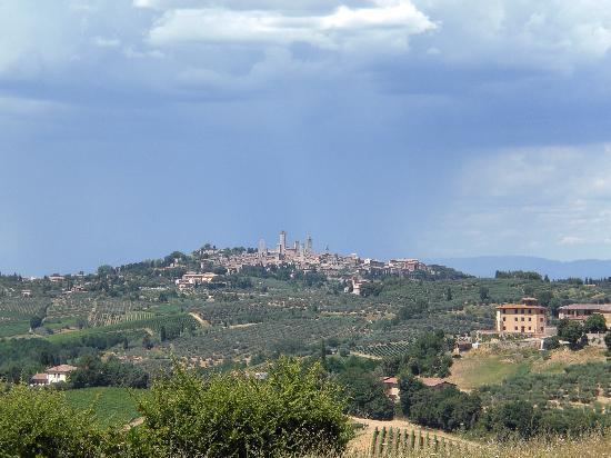 Agriturismo Fattoria Il Piano: uitzicht vanaf het terras