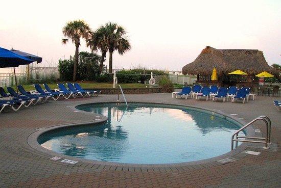 Hampton Inn Pensacola Beach: One of the pools