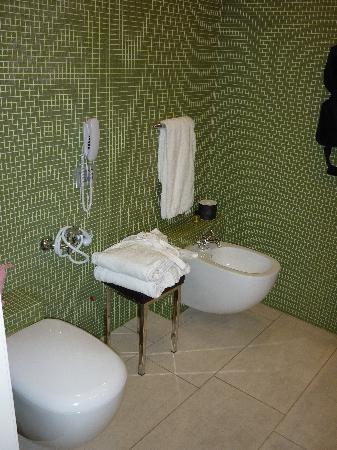 Palazzo Ai Capitani Hotel: Another bathoom shot