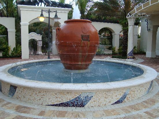 Homewood Suites By Hilton Palm Beach Gardens Fountain In The Middle Of S Next
