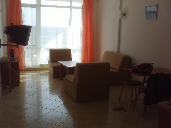 Mariner Hotel & Apartments: Living Area