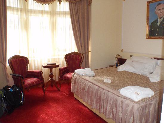 Hotel General: Suite Room