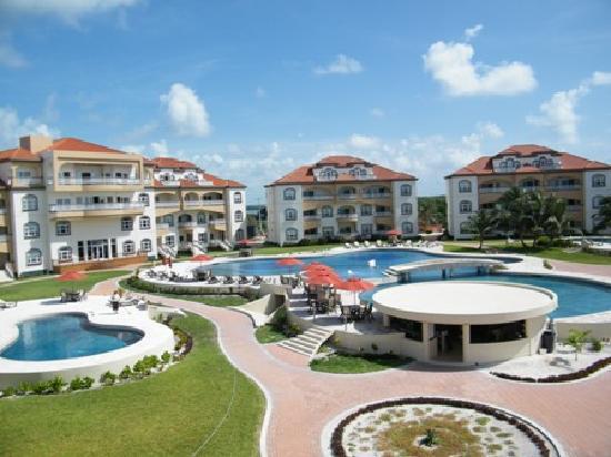 Grand Caribe Belize Resort and Condominiums : the resort