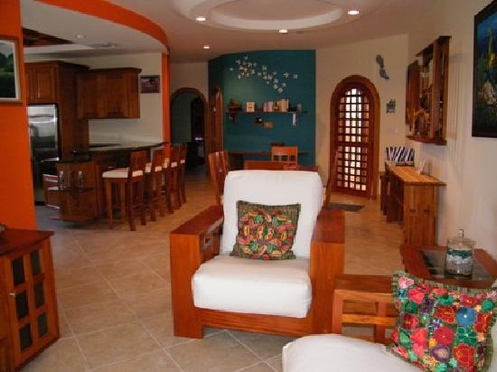 Grand Caribe Belize Resort and Condominiums : one of the 2-bedroom condos