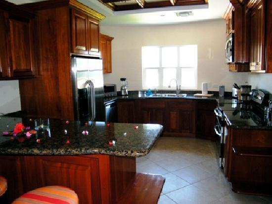 Grand Caribe Belize Resort and Condominiums: kitchen