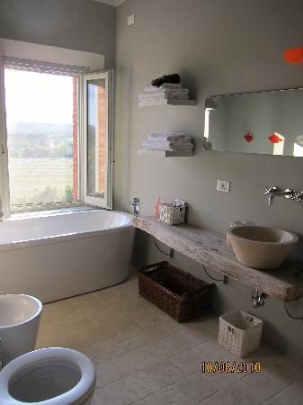 Villa Siena House: the bathroom