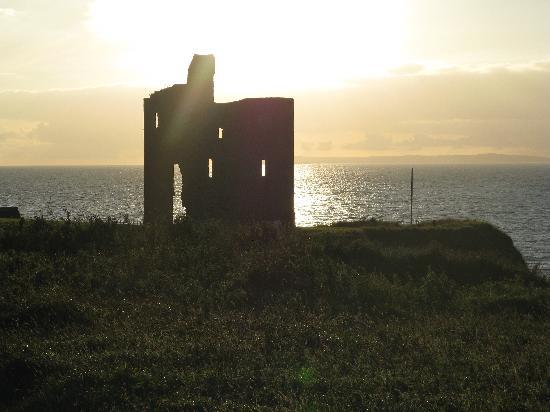 Seashore B&B: scenic sunset in Ballybunion