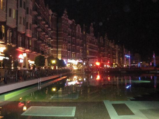 Orange County Resort: hotel by night