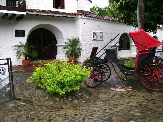 Hotel Mariscal Robledo: fachada