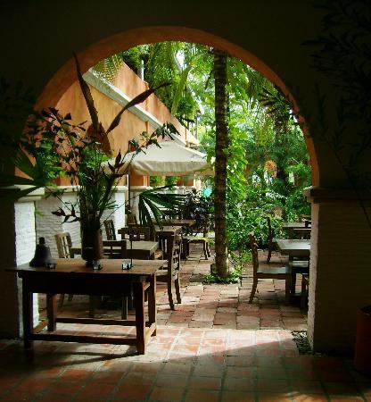 Hotel Mariscal Robledo: patio interios