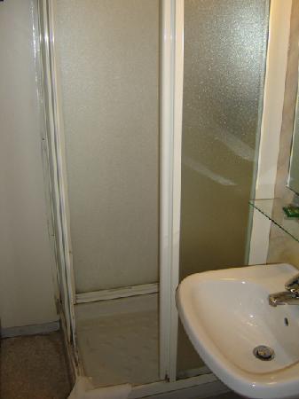 Best Hotel: La ducha del baño privado