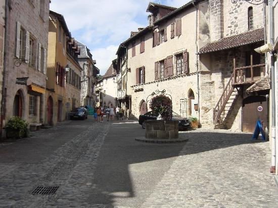 Beaulieu-sur-Dordogne, France : Old town