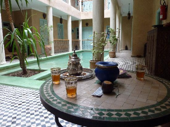 Riad Taroudant : Pool and refreshmint!