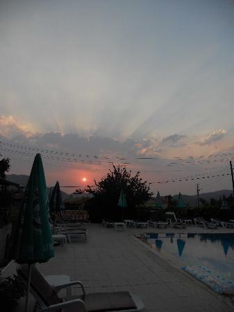 Hotel Era: Sunset