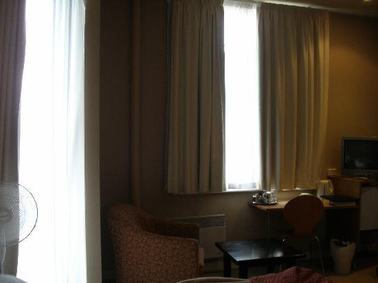 Customs House Waterfront Hotel: room