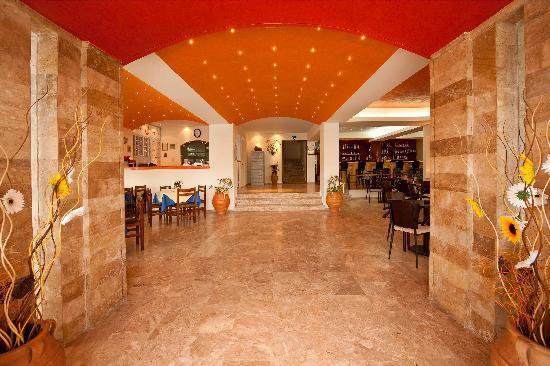 Hotel Philoxenia : Entrance