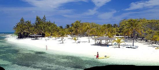 Cayman Brac Beach Resort: Brac Reef Beach Resort - Private Beach