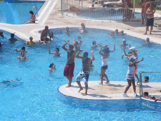 Daily pool dance picture of melas lara hotel antalya for Pool dance show