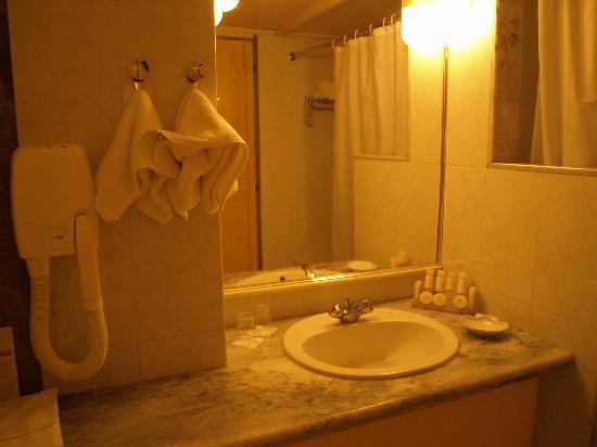 Aquila Porto Rethymno: Salle de bain