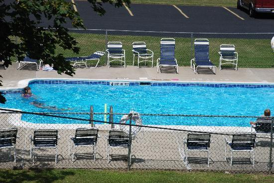 Thunderhart Golf Course at Sunny Hill: Pool