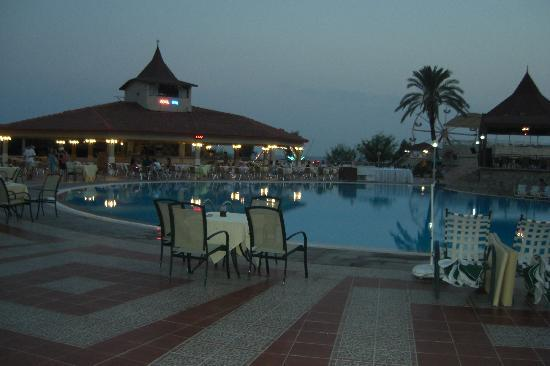 Club Hotel Turan Prince World: pscines