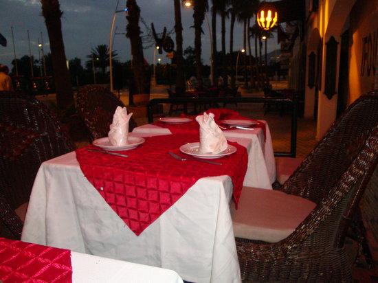 Le Jardin d'Eau : Tables