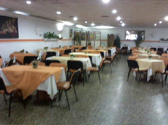 Hotel Dorado Plaza: buen restaurante
