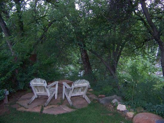 Creekside Inn at Sedona: sitting area
