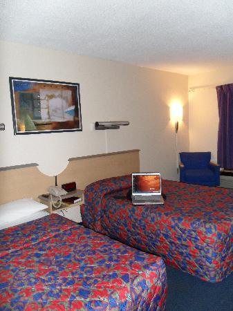 Red Roof Inn Winchester: Beds