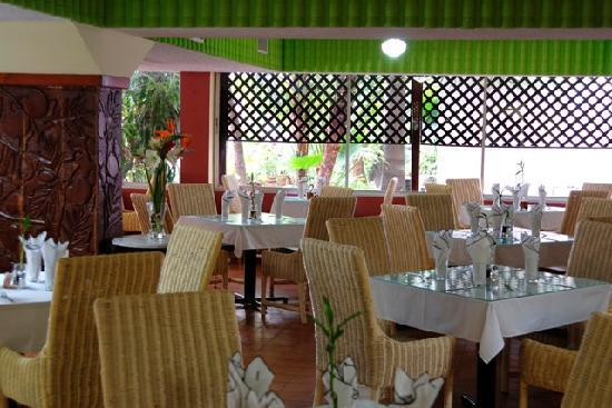 Le Plaza Hotel: restaurant