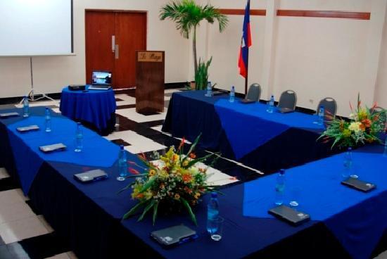 Le Plaza Hotel: conference facility