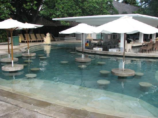 ‪‪Bali Garden Beach Resort‬: Swim up bar‬