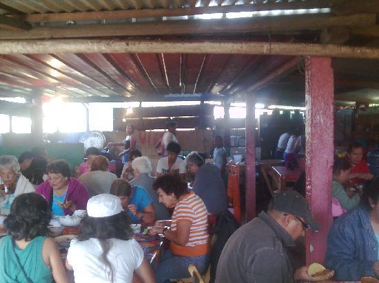Comitan, Mexico: Comedor de la casa de una familia del lugar. Lagos de Montebello. Chiapas. México