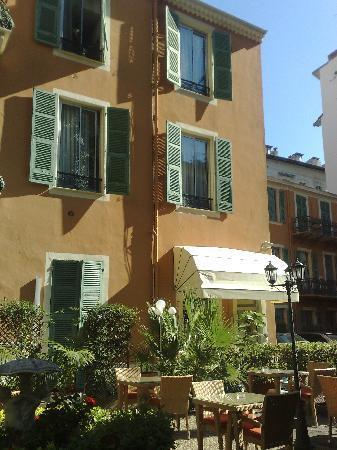 Hotel Oasis: Exterior