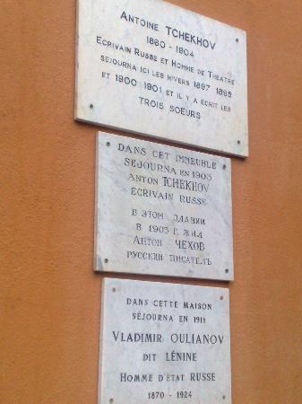 Hotel Oasis: Chekhov and Lenin lived here