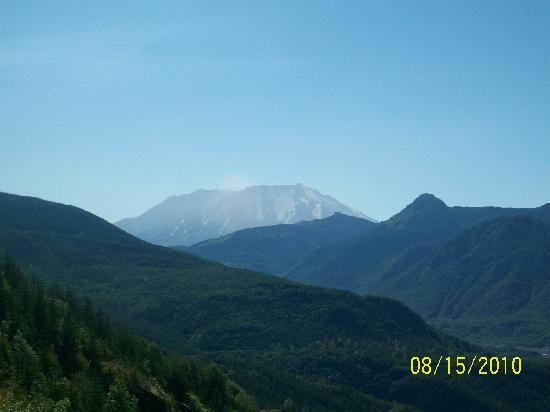 Spirit Lake Memorial Highway: Mount St Helens