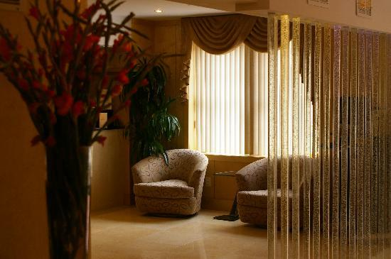 The Eldon Luxury Suites: reception area