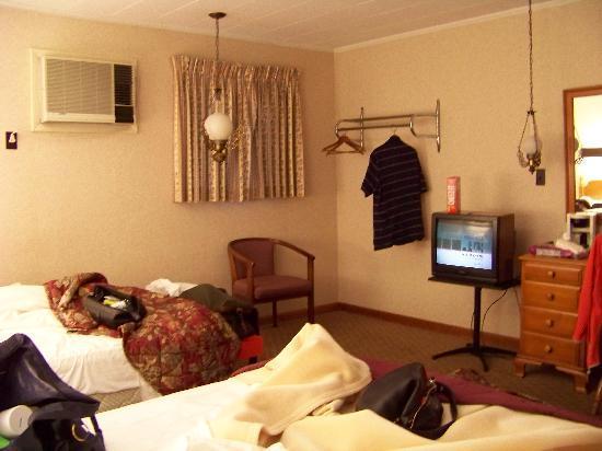 Wiltshire Motel 1