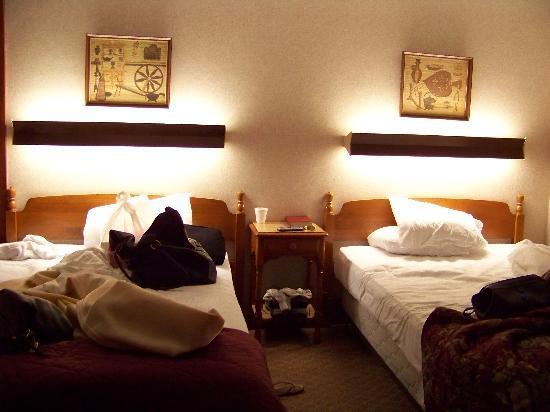 Wiltshire Motel 2